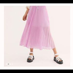 Free People pleated midi skirt w/half slip SZ XS